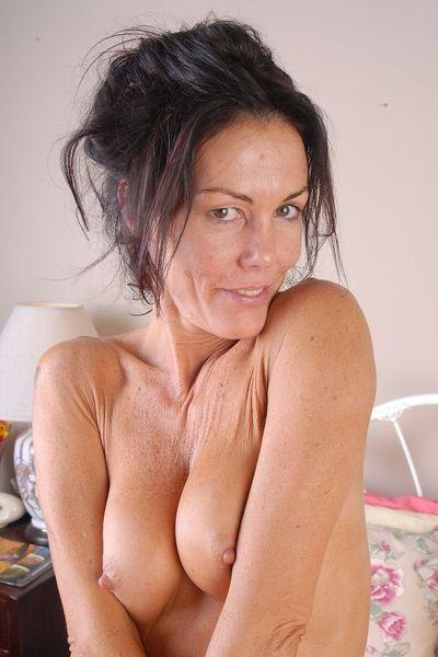 369 Erotik Kontakte fürs sexeln in Velbert.